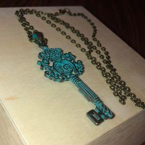 Vintage antique looking key necklace.